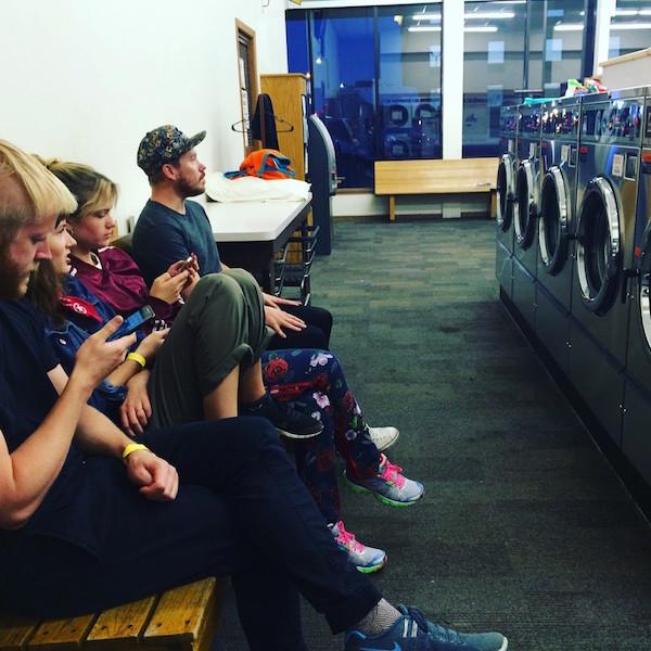 Tvätta behövs också på turné...